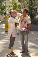 Juhi Babbar, Anup Soni at Shabana Azmi_s holi bash in Mumbai on 5th March 2015 (69)_54f9b78e639e3.JPG
