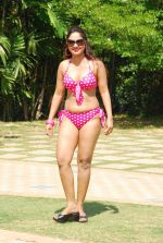 Marisa Verma bikini holi shoot on 5th March 2015 (36)_54f978674332e.JPG