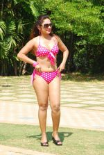 Marisa Verma bikini holi shoot on 5th March 2015 (37)_54f9786b1140a.JPG