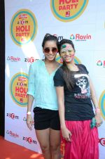 Sargun Mehta at Zoom Holi Bash in Mumbai on 6th March 2015 (201)_54fac522a9891.JPG