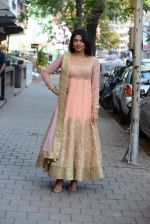 Deeksha Seth at Hue for Shruti Sancheti and Tamanna Punjabi in Huges Road on 13th March 2015 (134)_55042d8e5b9d5.JPG