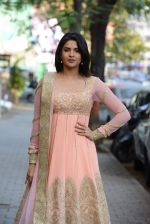 Deeksha Seth at Hue for Shruti Sancheti and Tamanna Punjabi in Huges Road on 13th March 2015 (135)_55042d8f29666.JPG
