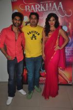 Taaha Shah, Shadaab Mirza, Sara Loren at Barkhaa film shoot in Mumbai on 17th March 2015 (29)_55094c434e277.JPG