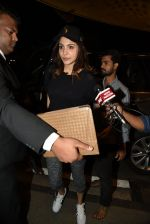 Anushka Sharma leaves for an Ad shoot in Bangkok on 18th March 2015 (2)_550a9cc37ee23.JPG
