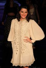 Shruti Seth on Day 1 at Lakme Fashion Week 2015 on 18th March 2015 (16)_550aa5f58c1be.JPG