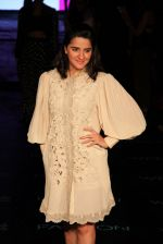 Shruti Seth on Day 1 at Lakme Fashion Week 2015 on 18th March 2015 (27)_550aa64205321.JPG