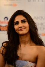 Vaani Kapoor walks the ramp for Sailex Show at Lakme Fashion Week 2015 Day 1 on 18th March 2015 (18)_550aab02ad6e7.JPG