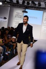 Irfan Pathan walks the ramp for Killer and Easies Show at Lakme Fashion Week 2015 Day 2 on 19th March 2015 (102)_550c059795c17.JPG
