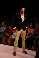 Irfan Pathan walks the ramp for Killer and Easies Show at Lakme Fashion Week 2015 Day 2 on 19th March 2015 (276)_550c05b1612a8.JPG