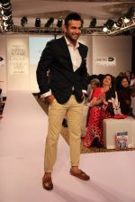 Irfan Pathan walks the ramp for Killer and Easies Show at Lakme Fashion Week 2015 Day 2 on 19th March 2015 (25)_550c05ea67449.JPG
