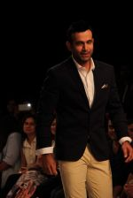 Irfan Pathan walks the ramp for Killer and Easies Show at Lakme Fashion Week 2015 Day 2 on 19th March 2015 (275)_550c05af4cd0e.JPG