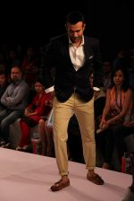 Irfan Pathan walks the ramp for Killer and Easies Show at Lakme Fashion Week 2015 Day 2 on 19th March 2015 (278)_550c05b621bc3.JPG