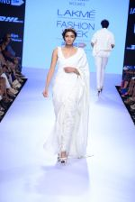 Model walks the ramp for Mulmul Show at Lakme Fashion Week 2015 Day 2 on 19th March 2015 (27)_550c0a46796e8.JPG