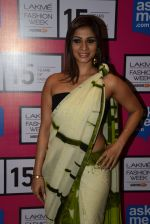 Tanisha Mukherjee at Gauri Khan_s show for Satya Paul at LFW 2015 Day 3 on 20th March 2015 (95)_550d5c412651b.JPG