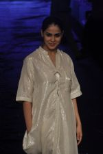Genelia D Souza at Asmita Marwa Show at Lakme Fashion Week 2015 Day 3 on 20th March 2015 (48)_550e8b4535b2f.JPG