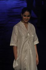 Genelia D Souza at Asmita Marwa Show at Lakme Fashion Week 2015 Day 3 on 20th March 2015 (50)_550e8b4be6276.JPG
