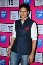 Niketan Madhok at Anamika Khanna Grand Finale Show at Lakme Fashion Week 2015 Day 5 on 22nd March 2015(293)_550fe608289e8.JPG