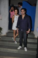 Malaika Arora Khan and Arbaaz Khan snapped at Olive on 23rd March 2015 (10)_55112df701c49.JPG