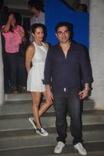 Malaika Arora Khan and Arbaaz Khan snapped at Olive on 23rd March 2015 (6)_55112dff6bc75.JPG