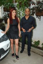 Esha Deol, Satyajit Chourasia at the trailor launch of Barefoot To Goa in Sunny Super Sound on 24th March 2015 (23)_55125b6b86545.JPG