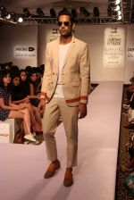 Model walk the ramp for Sahil Aneja at Lakme Fashion Show 2015 on 20th March 2015 (9)_5512588ed3385.JPG