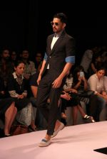 Model walk the ramp for Sahil Aneja at Lakme Fashion Show 2015 on 20th March 2015 (28)_551258d7ebfbe.JPG