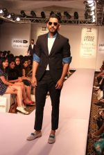 Model walk the ramp for Sahil Aneja at Lakme Fashion Show 2015 on 20th March 2015 (30)_551258dcbb6a4.JPG
