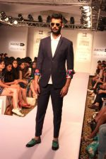 Model walk the ramp for Sahil Aneja at Lakme Fashion Show 2015 on 20th March 2015 (35)_551258e6a5906.JPG