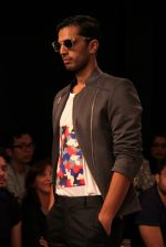 Model walk the ramp for Sahil Aneja at Lakme Fashion Show 2015 on 20th March 2015 (39)_551258eb48085.JPG