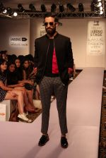 Model walk the ramp for Sahil Aneja at Lakme Fashion Show 2015 on 20th March 2015 (57)_5512590579a50.JPG