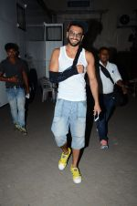 Ranveer Singh snapped post pack up at shoot in Mehboob on 24th March 2015 (2)_551258c74875b.JPG