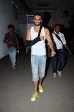 Ranveer Singh snapped post pack up at shoot in Mehboob on 24th March 2015 (3)_551258ca12123.JPG