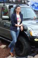 Gul Panag at Mahindra & Discovery Off Road With Gul Panag series launch in Mumbai on 25th March 2015 (54)_5513ccdc33718.JPG