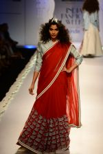 Model walk the ramp for Anju Modi on day 1 of Amazon India Fashion Week on 25th March 2015 (84)_5513cbc2c7922.JPG