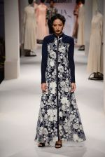 Model walk the ramp for Kavita Bhartia on day 1 of Amazon India Fashion Week on 25th March 2015 (252)_5513d1ab78da7.JPG