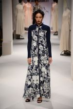 Model walk the ramp for Kavita Bhartia on day 1 of Amazon India Fashion Week on 25th March 2015 (253)_5513d1b1967bf.JPG