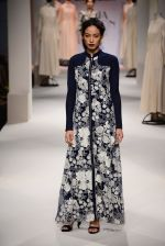 Model walk the ramp for Kavita Bhartia on day 1 of Amazon India Fashion Week on 25th March 2015 (254)_5513d1b86fe8b.JPG