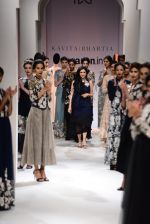 Model walk the ramp for Kavita Bhartia on day 1 of Amazon India Fashion Week on 25th March 2015 (323)_5513d2fba047e.JPG