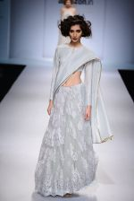 Model walk the ramp for Payal Singhal on day 1 of Amazon India Fashion Week on 25th March 2015 (35)_5513d471669f6.JPG