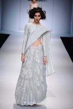 Model walk the ramp for Payal Singhal on day 1 of Amazon India Fashion Week on 25th March 2015 (36)_5513d472f0d16.JPG