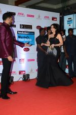 Abhishek Bachchan, Aishwarya Rai Bachchan at HT Mumbai_s Most Stylish Awards 2015 in Mumbai on 26th March 2015 (1104)_5515426e0bb41.JPG