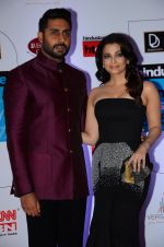 Abhishek Bachchan, Aishwarya Rai Bachchan at HT Mumbai_s Most Stylish Awards 2015 in Mumbai on 26th March 2015 (1147)_55154315f1c43.JPG
