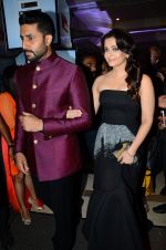 Abhishek Bachchan, Aishwarya Rai Bachchan at HT Mumbai_s Most Stylish Awards 2015 in Mumbai on 26th March 2015 (1622)_551543965a66c.JPG
