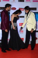 Abhishek Bachchan, Aishwarya Rai Bachchan, Amitabh Bachchan at HT Mumbai_s Most Stylish Awards 2015 in Mumbai on 26th March 2015 (1170)_551543a32889b.JPG