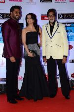 Abhishek Bachchan, Aishwarya Rai Bachchan, Amitabh Bachchan at HT Mumbai_s Most Stylish Awards 2015 in Mumbai on 26th March 2015 (1179)_551543a7dd380.JPG