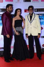 Abhishek Bachchan, Aishwarya Rai Bachchan, Amitabh Bachchan at HT Mumbai_s Most Stylish Awards 2015 in Mumbai on 26th March 2015 (1181)_551544791a8d4.JPG