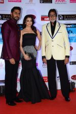 Abhishek Bachchan, Aishwarya Rai Bachchan, Amitabh Bachchan at HT Mumbai_s Most Stylish Awards 2015 in Mumbai on 26th March 2015 (1187)_5515447b168cf.JPG