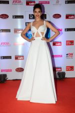 Deepika Padukone at HT Mumbai_s Most Stylish Awards 2015 in Mumbai on 26th March 2015 (1521)_551549c619934.JPG