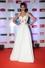Deepika Padukone at HT Mumbai_s Most Stylish Awards 2015 in Mumbai on 26th March 2015 (1523)_551549c935b96.JPG