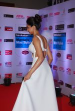Deepika Padukone at HT Mumbai_s Most Stylish Awards 2015 in Mumbai on 26th March 2015 (487)_55154981af03c.JPG